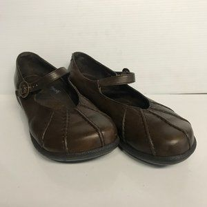 Dansko 39 brown leather Mary Jane shoes.
